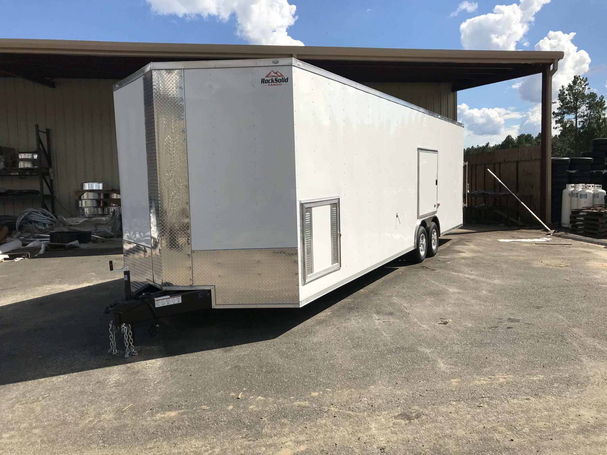 How to Choose the Right Enclosed Trailer